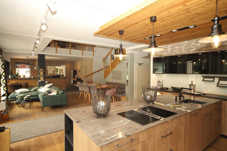 Moderne Küche im Einrichtungshaus Schwab-Walcher Schladming