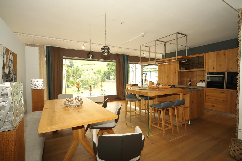 Exklusive Küche und Essecke bei Schwab-Walcher Wohndesign