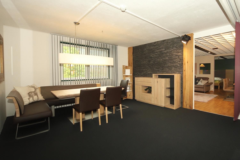 Moderner Essbereich im Möbelhaus Schwab-Walcher