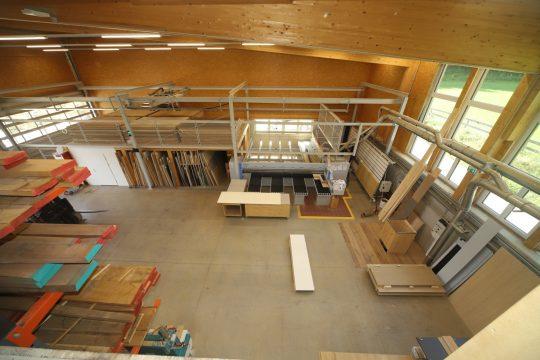 Tischlerei Werkstatt mit modernsten Maschinen