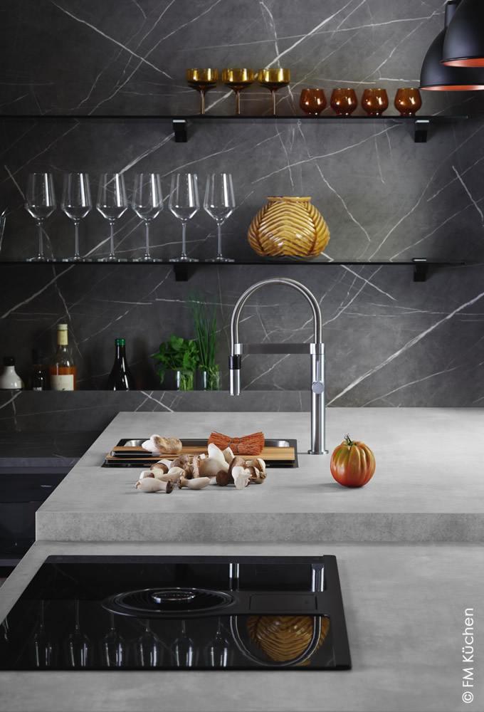 Moderne Küche von FM (© FM Küchen)